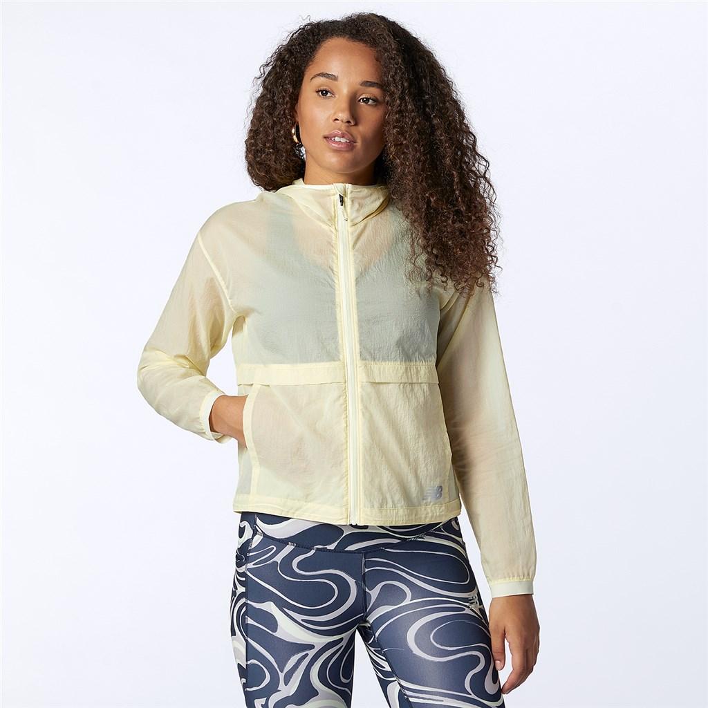 New Balance - W Impact Run Light Pack Jacket - clear yellow