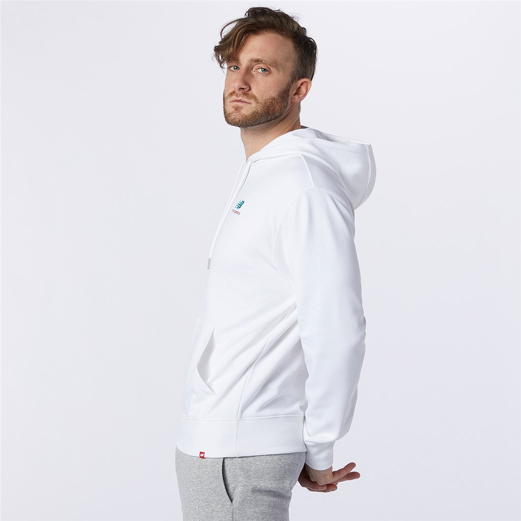 New Balance - NB Essentials Embroidered Hoodie - white