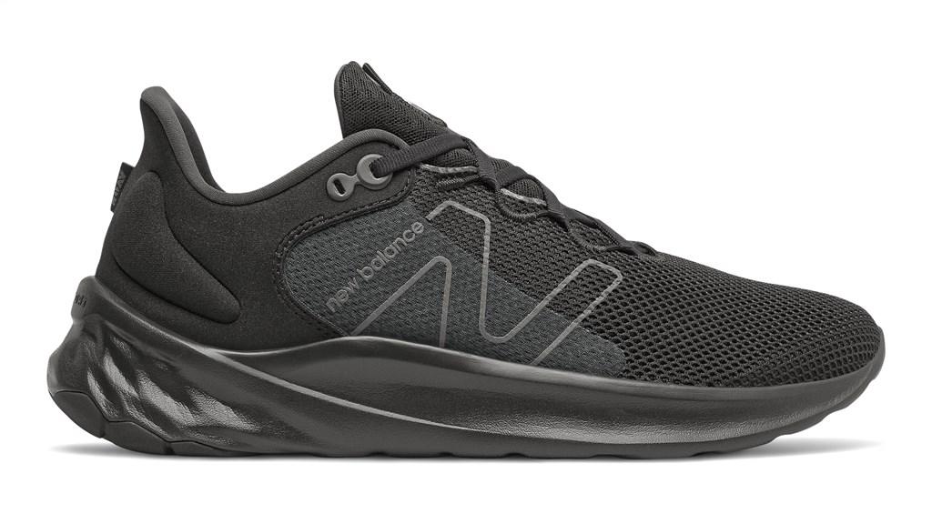 New Balance - MROAVSK2 Fresh Foam Roav v2 - black/black