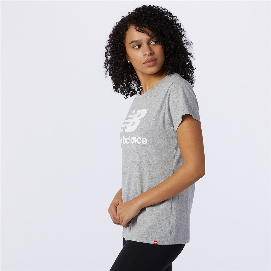New Balance - W Essentials Stacked Logo Tee - athletic grey