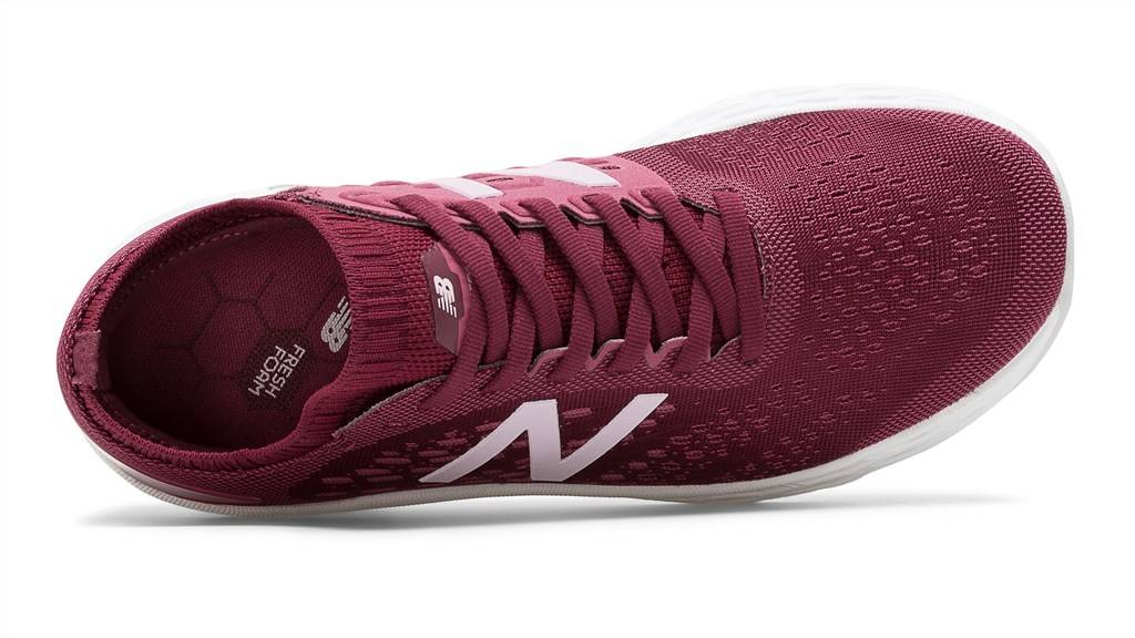 New Balance - WVNGOBV4 Fresh Foam Vongo v4 - red