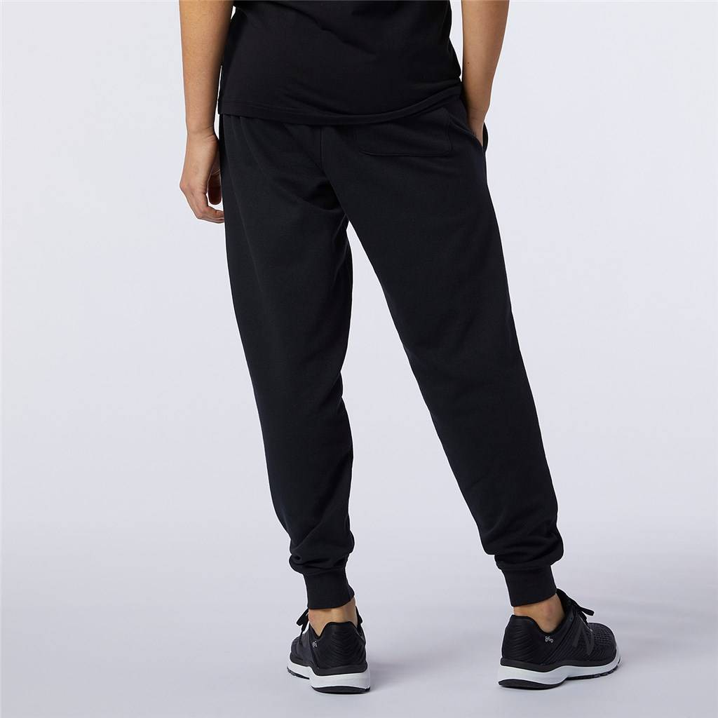 New Balance - NB Essentials Embroidered Pant - black